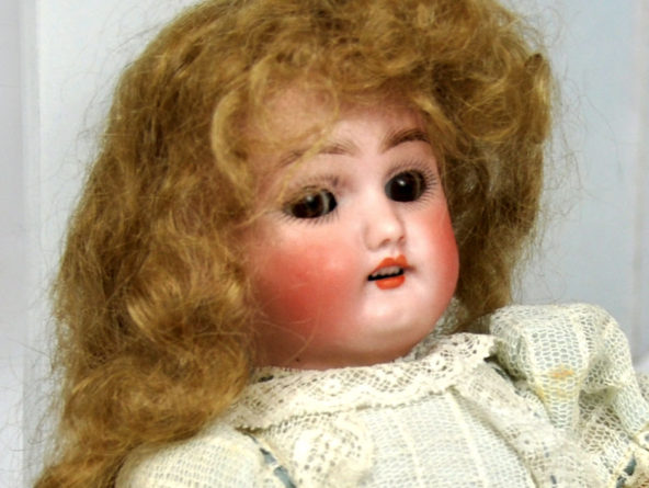 German Simon Halbig Doll 1078 with Deep Brown Sleep Eyes & Original Factory Finish