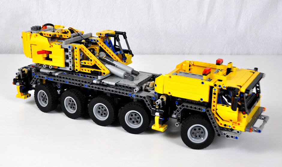 Lego Mobile Crane MK II #42009 2