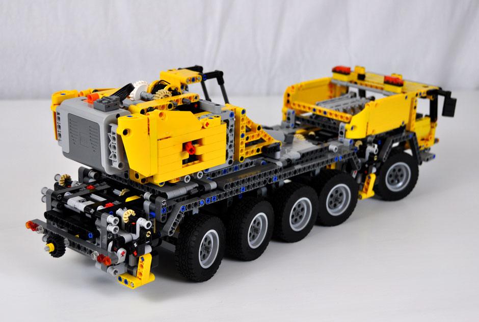 Lego Mobile Crane MK II #42009 4