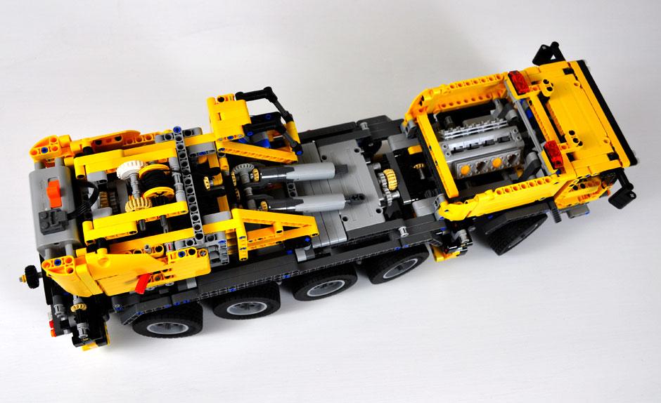 Lego Mobile Crane MK II #42009 6